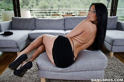 Anissa kate is a godess