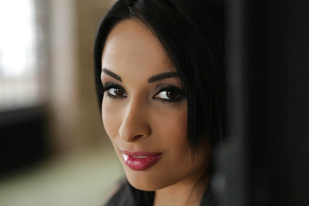 Anissa Kate - Nothing is too big